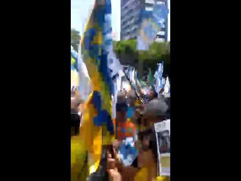 Brasilienses mostram que querem eleger Aécio Neves