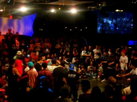 MASSIVE MONKEES BBOY BATTLE: AOM VS. FRAGGLE ROCK & 17.42