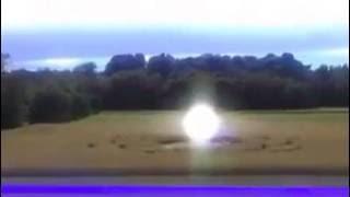esfera luminica en un crop circle !!!
