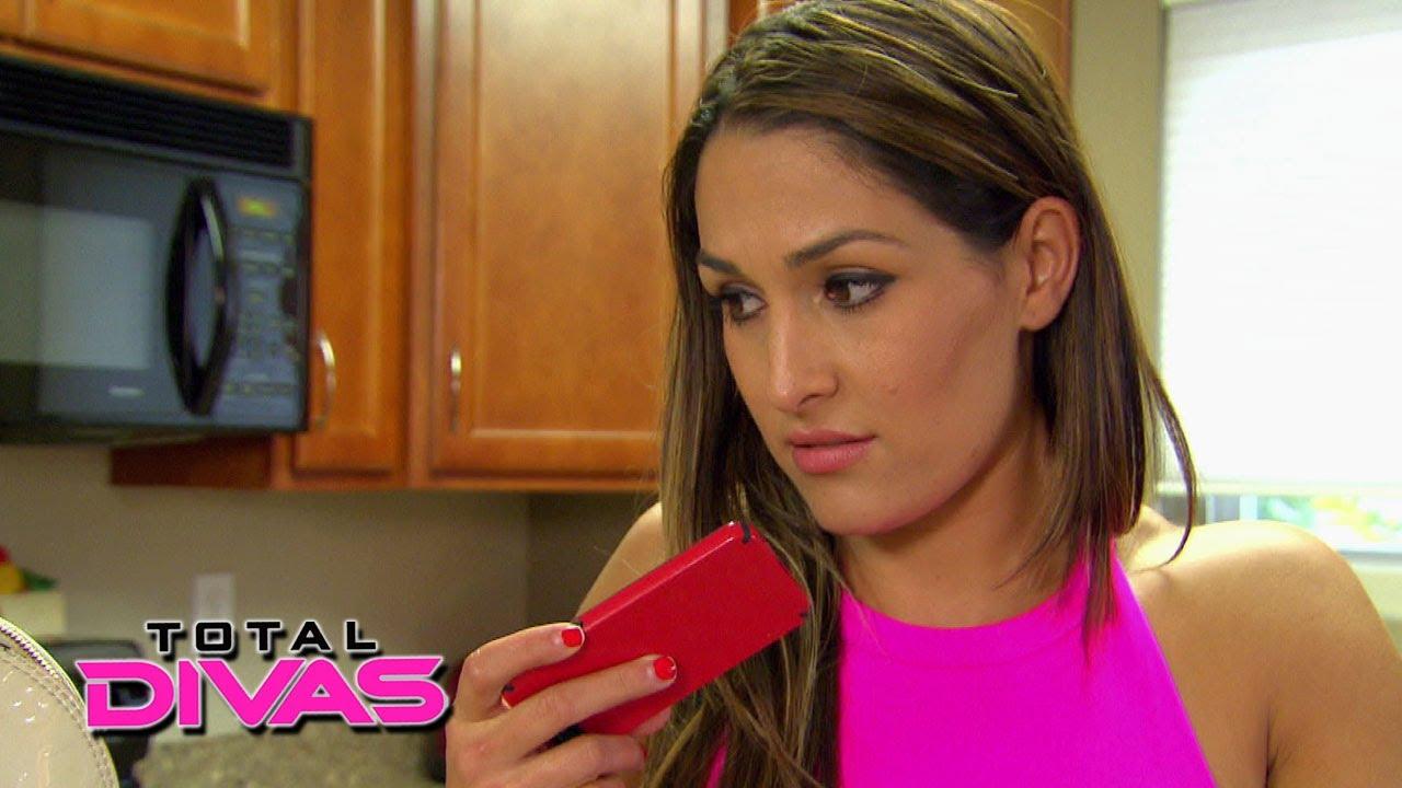 Nikki Bella calls Brie Bella about John Cena's strange behavior: Total ...