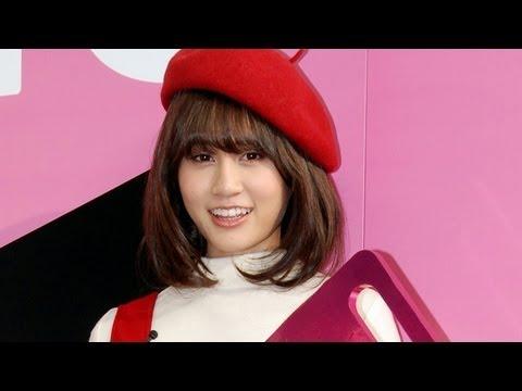 元AKB48・前田敦子、ジャイ子姿で登場! 新型クラウン発表イベント