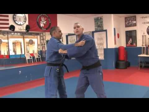 How to do a One arm Shoulder Throw - Judo Lessons Image 1