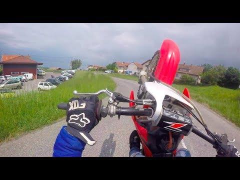 LA MEILLEURE MOTO POUR APPRENDRE LES WHEELING !!!! MP3