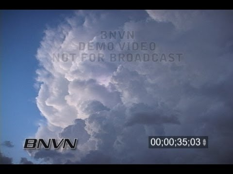 8/29/2007 Sarasota, FL towering cumulus cloud and lightning video