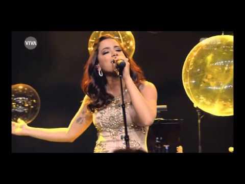 Anitta no Globo de Ouro - Como Uma Deusa