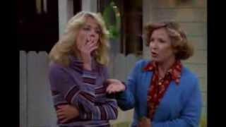 Lisa Robin Kelly smoking 1