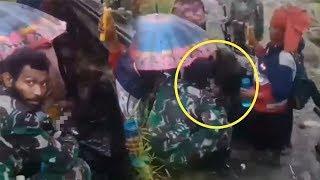 Viral Video Prajurit TNI Membantu Ibu Melahirkan di Pedalaman Papua