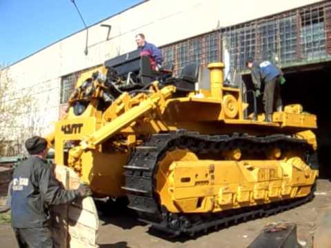 Отгрузка трактора Т-330.AVI