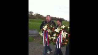 М.В.Слипенчук возложил венки к памятнику.