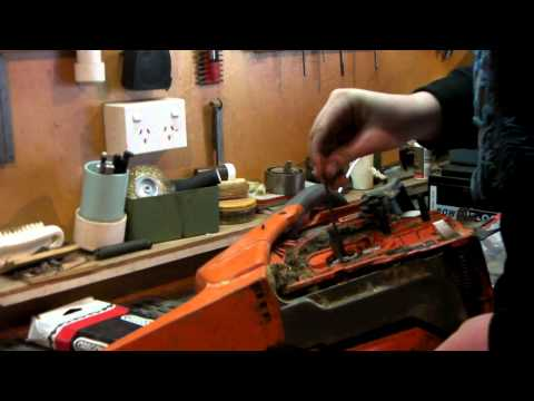 HOW TO Remove Clutch & Sprocket  on a Husqvarna  chainsaw