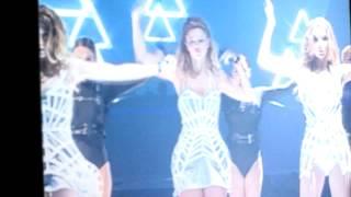 Girls Aloud Ten- On The Metro