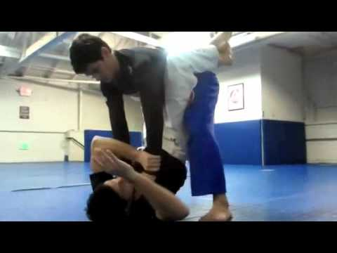 Kayron Gracie Teaches: No-Gi Closed Guard Sweep (Part 2 of 3) Image 1