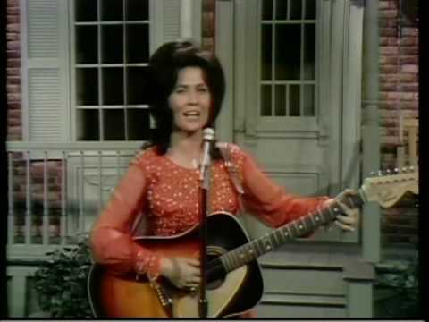 Loretta Lynn - Home You