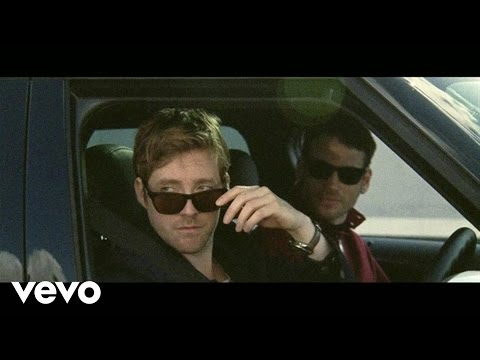 Kaiser Chiefs - Kinda Girl You Are