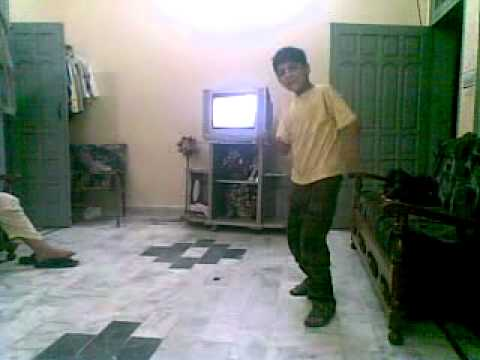 Hamza break dance  jatni panjabi from mandi bahauddin pakistan...
