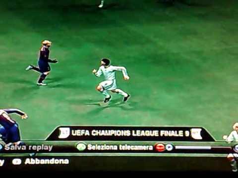 PES 2010 – Incredibile lancio di Dani Alves e gol di Ibrahimovic.mp4