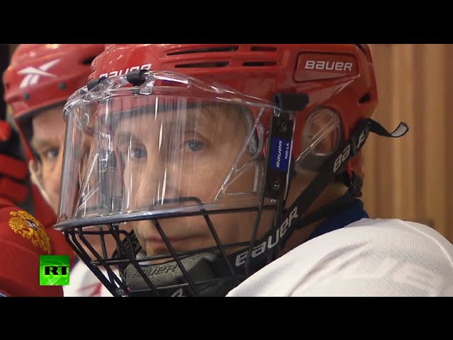 Putin on ice: President plays hockey with former & current heads of KHL