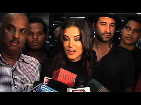 Sunny Leone lands in Mumbai