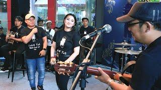 Download lagu Wali & Fitri Carlina - Sakit Tak Berdarah (Launching Album Wali 20.20) Live
