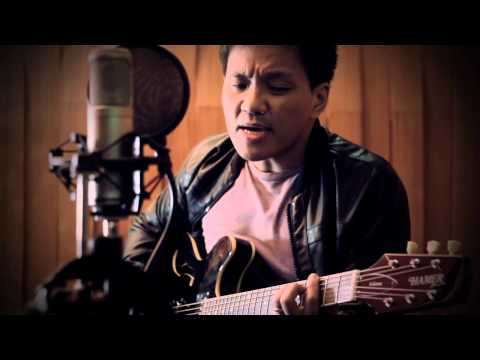 Ebe Dancel - HaveYourself A Merry Little Christmas [Official Music Video]