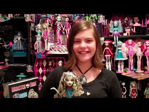 Monster High Frankie Stein Fashion Pack Review by wookiewarrior23