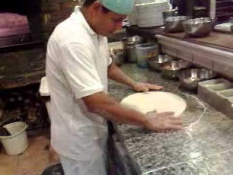 Como fazer pizza italiana