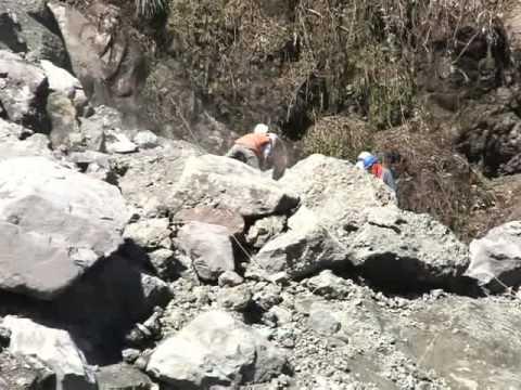 Concluyó la búsqueda de desaparecidos y se trabaja para reabrir el tramo de la vía a Alóag
