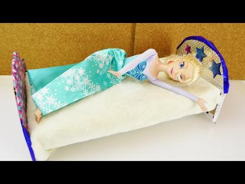 07:48 Frozen Eiskönigin Bekommt Ein Neues BETT | Barbie Bett Selber Machen  | DIY Puppenmöbel Für Kinder