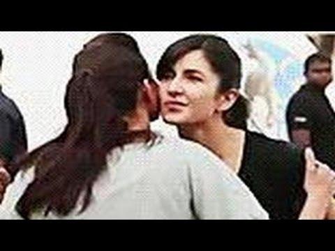 Ranbir Kapoor's Ex Girlfriend Deepika Padukone Hugs Katrina Kaif! video