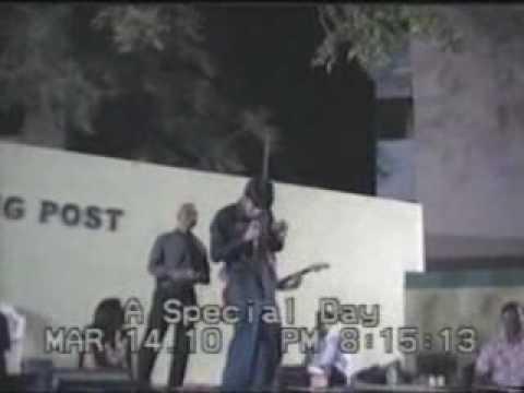 Manthan singing Saari Umar hum - 3 Idiots.wmv