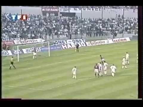 Parc Lescure - 22 Août 1995 Coupe de l'UEFA (Préliminaire Retour) 2' - Lizarazu Bixente (sp) 10' - Lizarazu Bixente - Bordeaux: Gaëtan Huard Laurent Croci Jean-Luc...