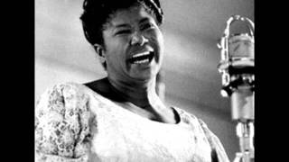 Watch Mahalia Jackson I Wonder As I Wander video