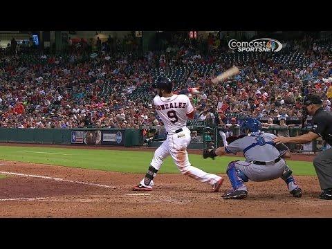 TEX@HOU: Gonzalez lines a single to plate Singleton