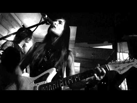 Dum Dum Girls - Lord Knows (live in Bristol UK, May '14)