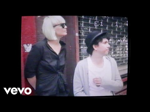 Raveonettes - She Ownes The Streets