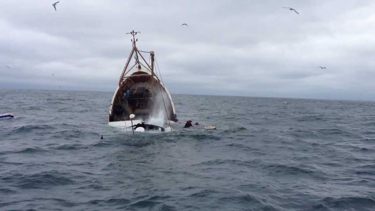 Incredible Video Prawn Trawler Sinks In Cold Irish Sea