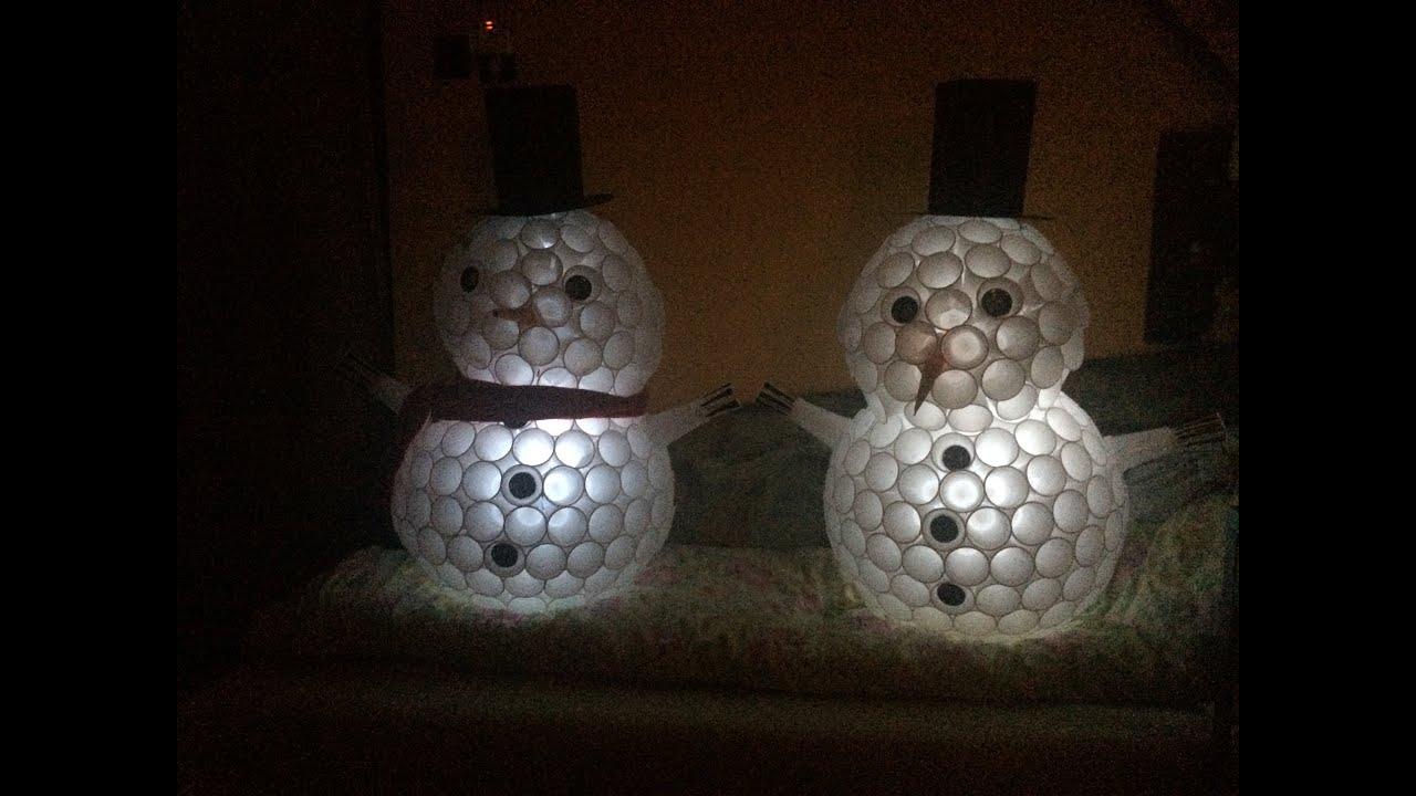 Пошаговая инструкция снеговик из пластиковых стаканчиков