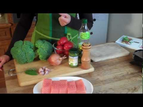 Cancer fighting foods: Pesto baked salmon, Anti-cancer diet