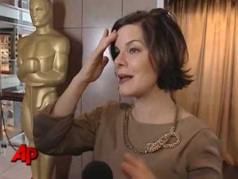 Marcia Gay Harden Brings Oscar to The Big Apple Video