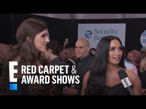 Demi Lovato & Danica Roem Talk Bullying at 2017 AMAs | E! Live from the Red Carpet