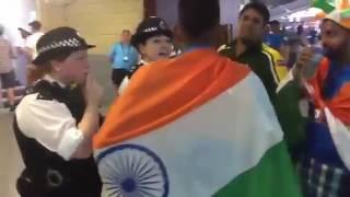 pakistani fan teasing indian fan hilarious moment
