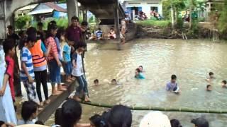 Trò chơi đi cầu khỉ trên sông - GX Thái An