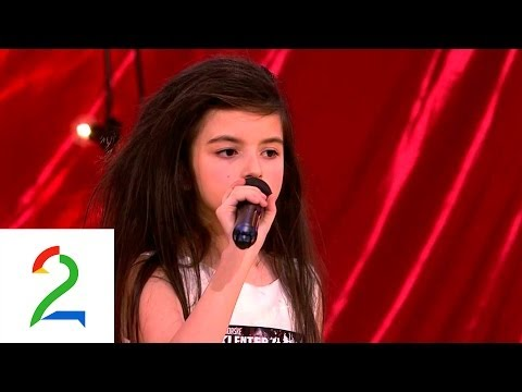 Angelina Jordan 7 year old sings Gloomy Sunday by Billie Holiday...