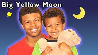 Big Yellow Moon and More | Nursery Rhyme Play Time | Baby Songs from Mother Goose Club!