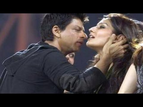 Shahrukh Khan Caught Kissing Raveena Tandon In Public video