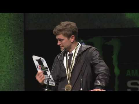 Supercross - Las Vegas 2010 - Awards Emotional Dungey Acceptance