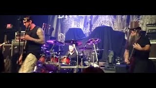 """Audiotopsy (Mudvayne) debut new song """"War"""" off new album """"The Real Now""""... !"""