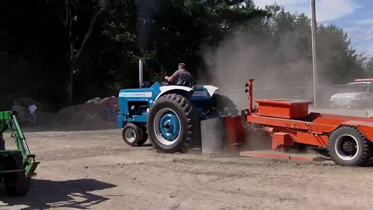 Ford Pulling Tractors : Ford tractor pull avi youtube