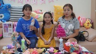 Hai Chị Em Chia Nhau Búp Bê Mẹ Mua - MN Toys Family Vlogs
