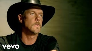 Watch Trace Adkins Arlington video